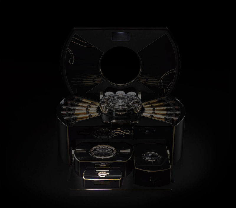 Millon Dollar Humidor with Built-in Tourbillon (4)