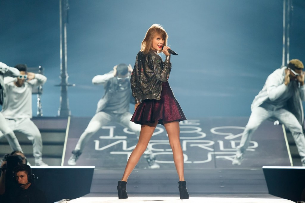 Taylor Swift Could Earn $1 Million a Day and Become the Highest-Paid Musician |via: forbes.com|