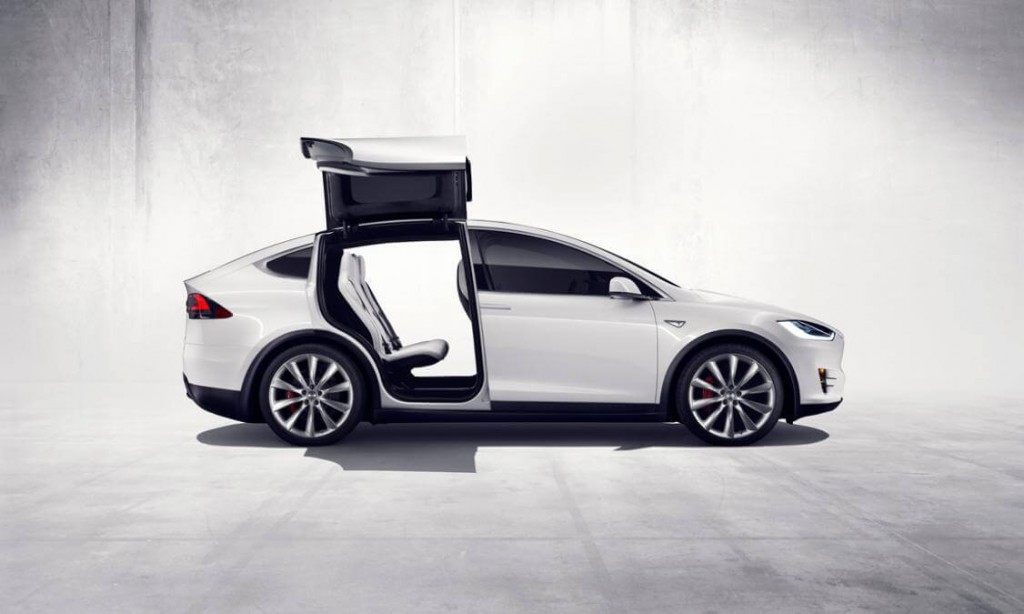Tesla's First Model X Electric SUV Is Finally Hitting the Roads