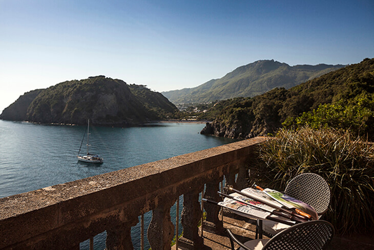 Mezzatorre boutique hotel on the italian island of ischia for Boutique hotel definizione