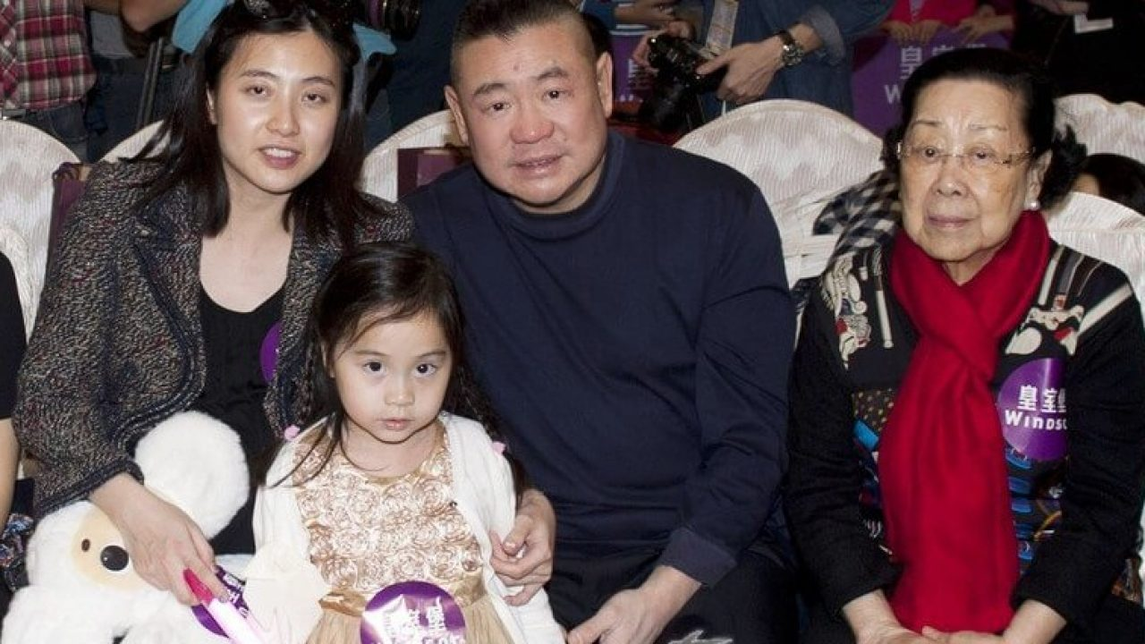 Billionaire Dad Buys His Daughter The Most Expensive Diamond Ever