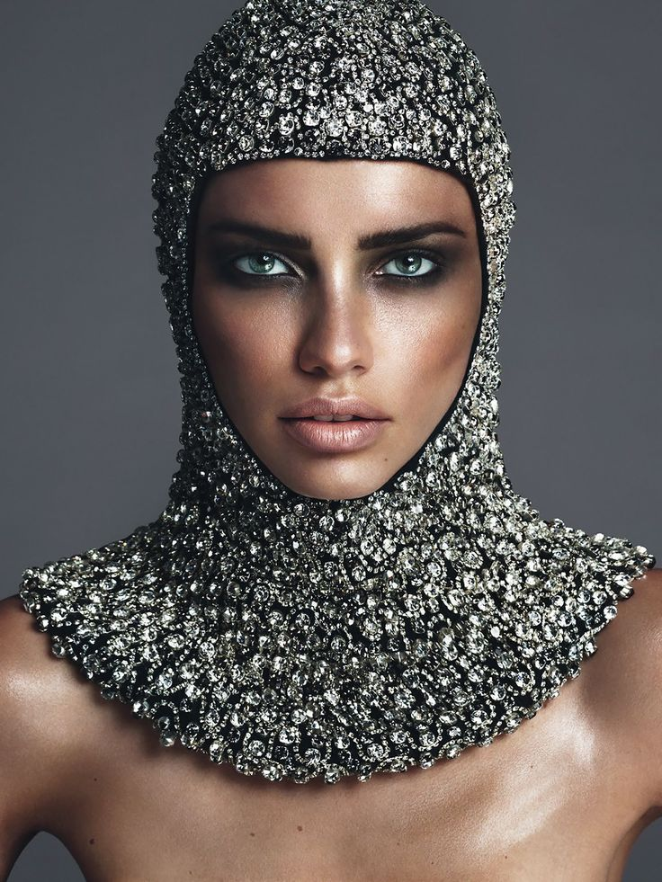 Adriana Lima Instagram Beauty of the Day Alux Diamonds Vogue Paris