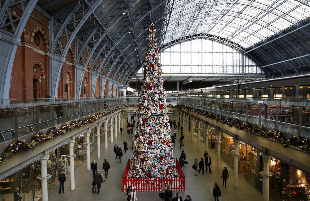 The Disney Junior Christmas Tree at St Pancras International