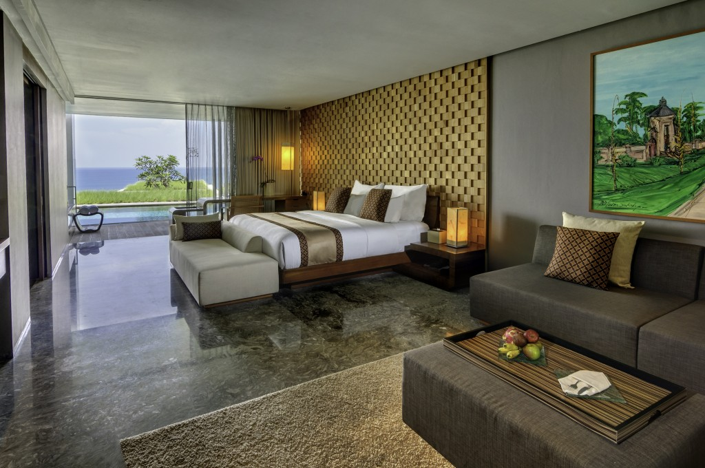 Wake up to the mesmerizing ocean view!