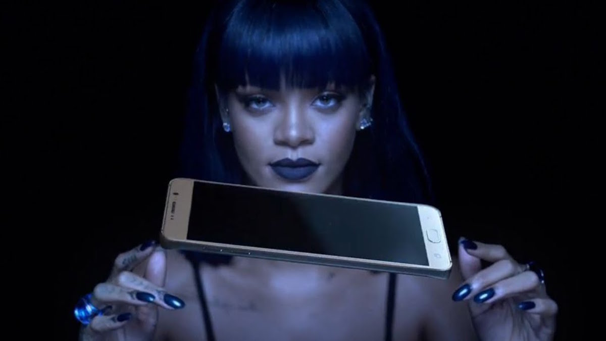 Rihanna releases her new album, ANTI