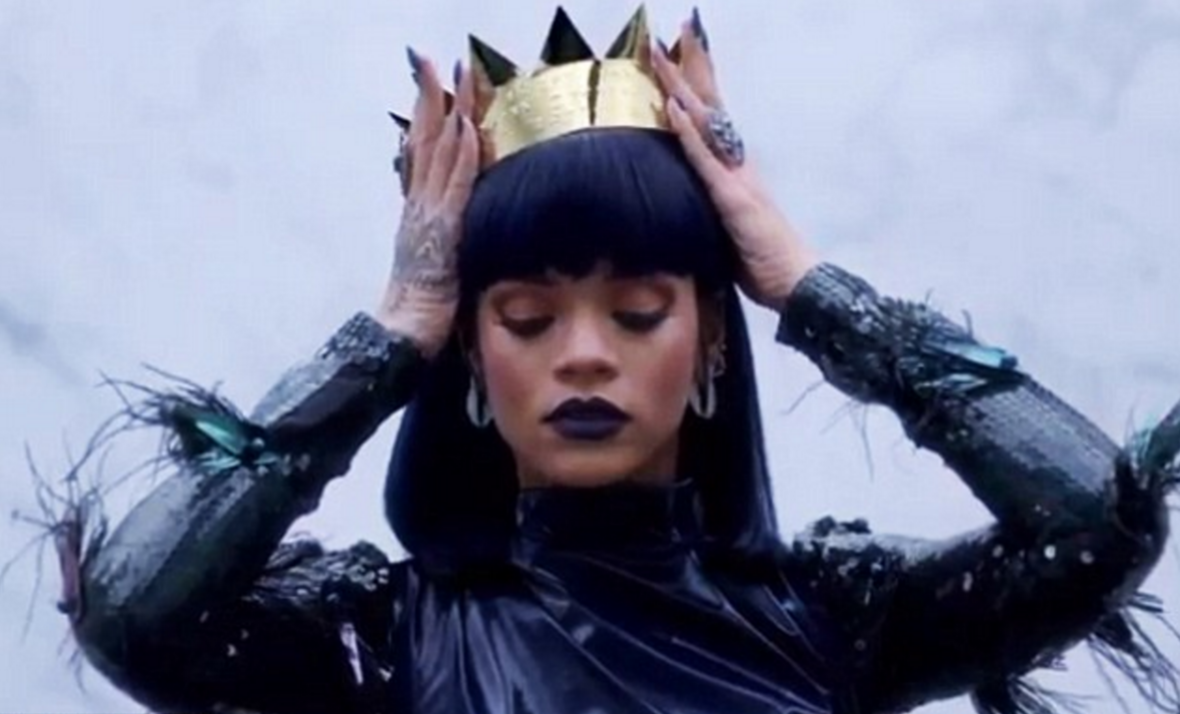 Rihanna releases her new album, ANTI Anti Crown