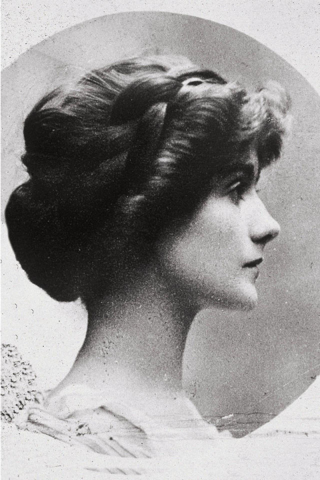 15 Things You Didn't Know About Coco Chanel | Coco Chanel in 1909