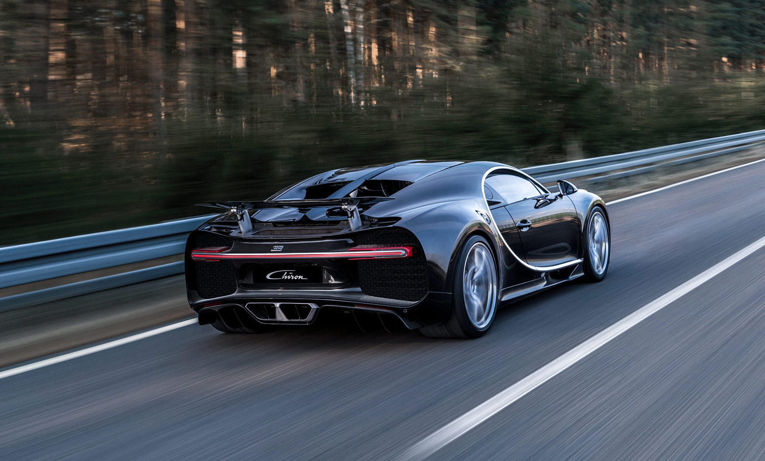 10 Things You Must Know About The New Bugatti Chiron | Bugatti Chiron in motion - Rear view
