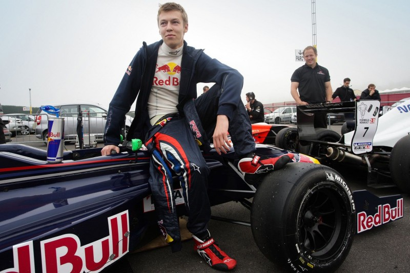 Top 15 Highest-Paid F1 Drivers (2015-2016) | #14 Daniil Kvyat ($1 million) | source: efemotor.com