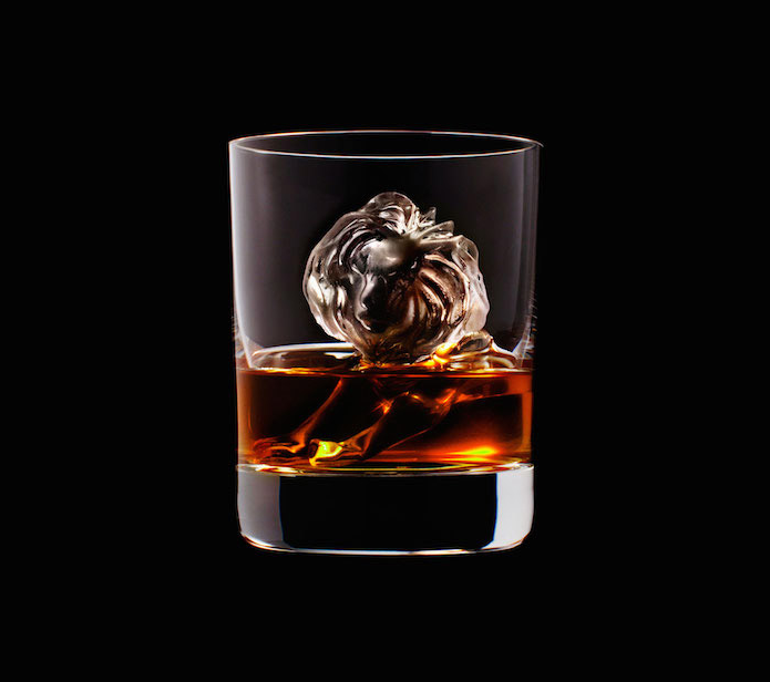 Luxury Ice Cube Sculptures from Japan lion