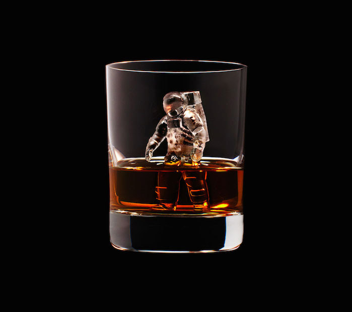 Luxury Ice Cube Sculptures from Japan astronaut