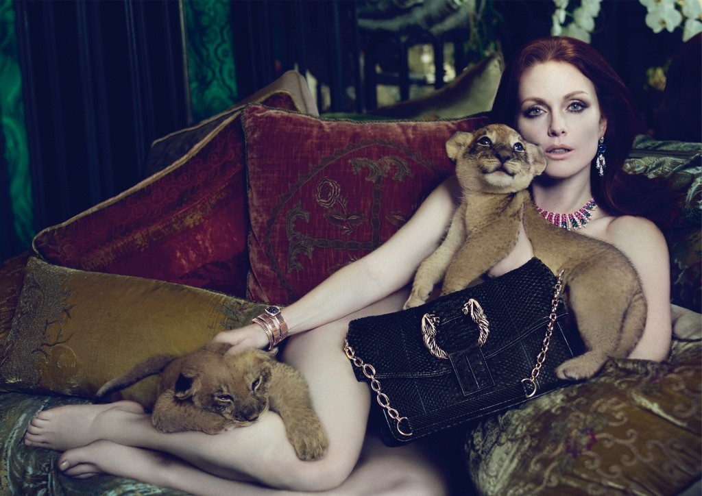 10 Celebrities Who Are Sexier Than Ever | Sexy Over 50 Julianne Moore