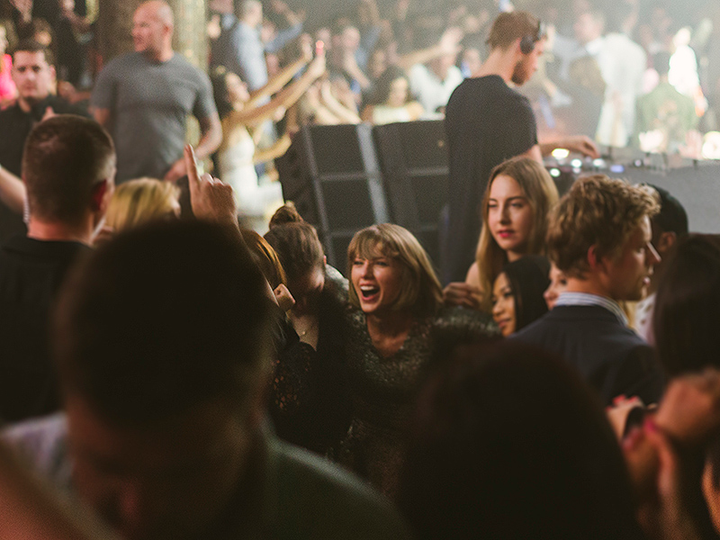 Celebrities Hang Out Spots Taylor Swift at OMNIA Caesars Palace, Las Vegas