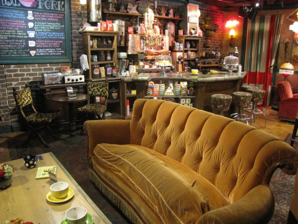 Get Inspired by These Film Set Decorations | Central Perk F.R.I.E.N.D.S Friends