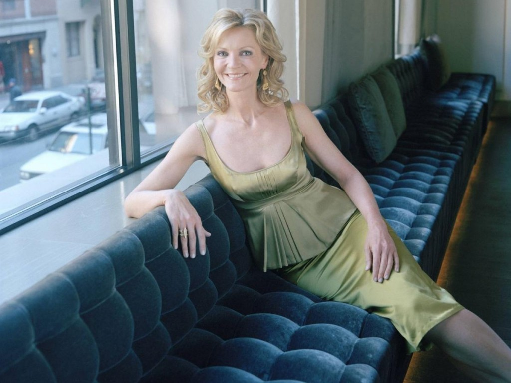 Going Solo: 20 Hot Actresses Who Pleasured Themselves On Screen | Joan Allen