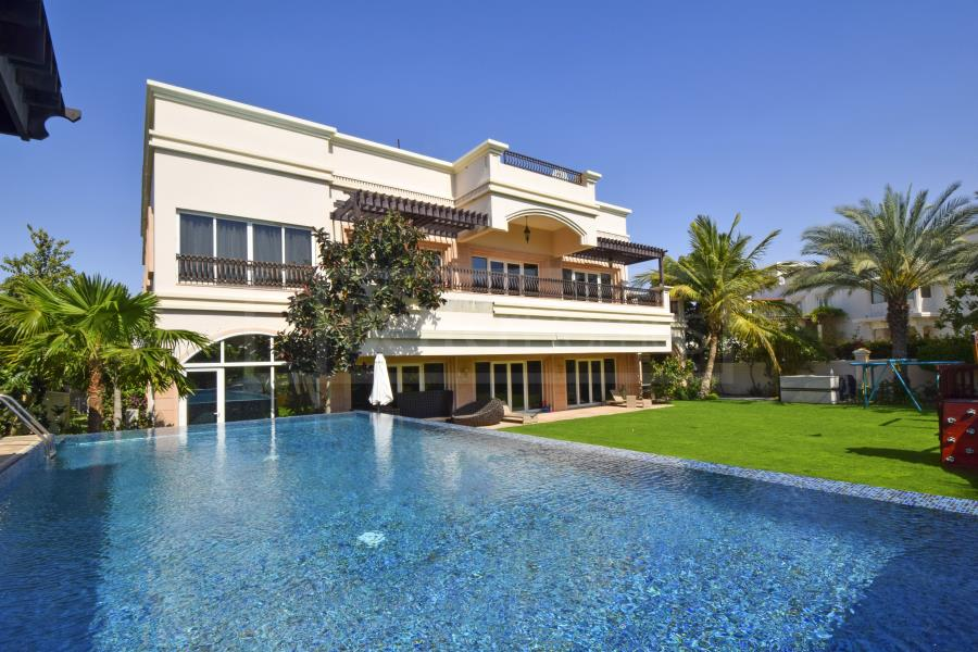 Top 15 Most Expensive Houses in UAE | #14. 15-Square-Feet Emirates Hills Villa ($13.06 million)