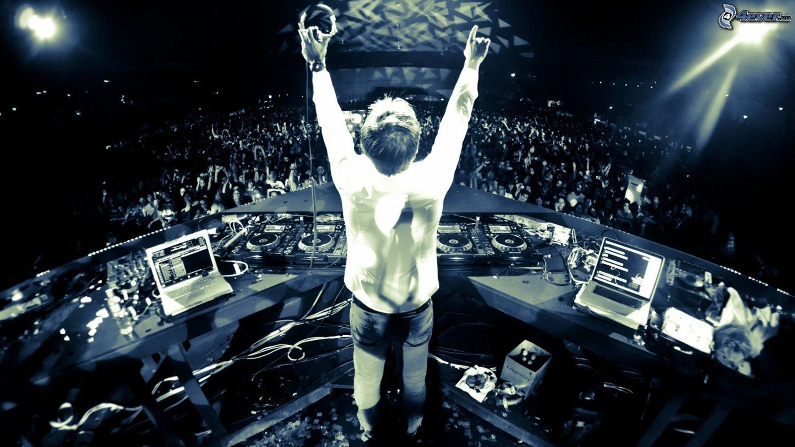 Top 15 Highest Paid DJs in the World
