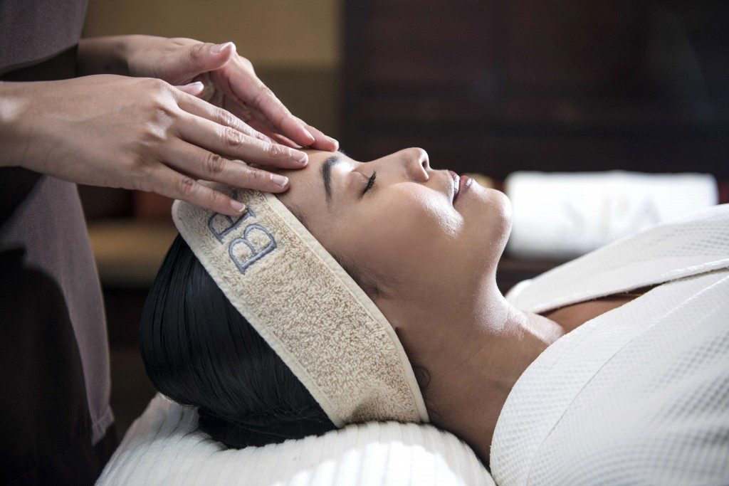 We Ranked 15 Most Expensive Spa Treatments in the World | #13. Triple Lift Luxury Facial - The Peninsula, New York ($650)