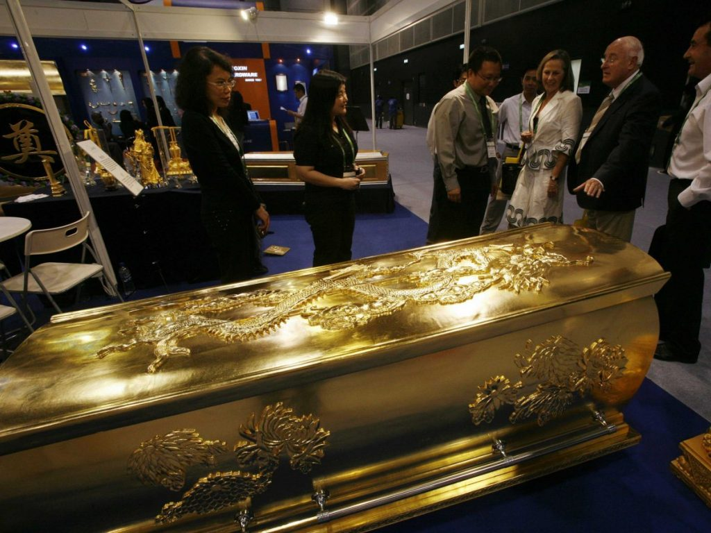 Most Expensive Watch In The World With Price >> Most Expensive Caskets in the World (Price and Image) - Alux.com