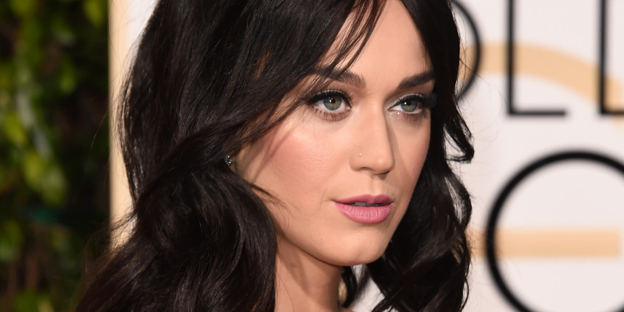 celebrities-good-deeds-katy-perry-donated-10k-to-planned-parenthood-2
