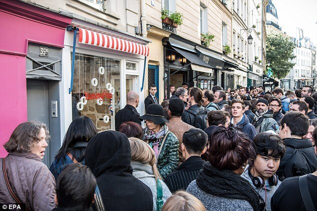 Scarlett Johansson Opens Popcorn Shop in Paris and Everyone is Losing It