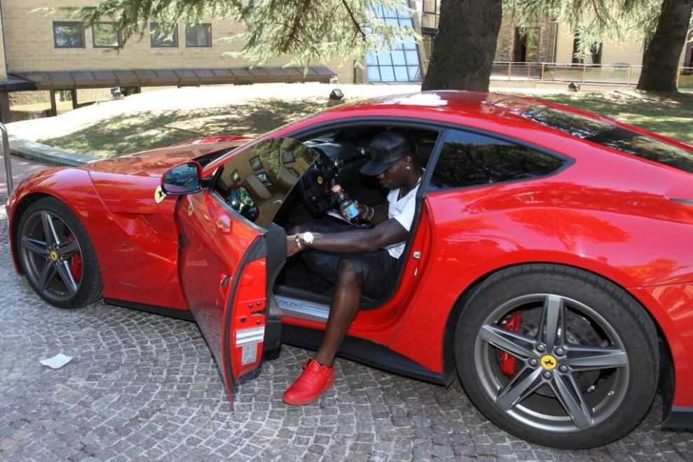 Top 15 Most Expensive NBA Players' Cars | #12. Kevin Durant's Ferrari California ($200,000)