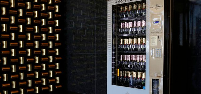 Las Vegas Now Has a Moët & Chandon Champagne Vending Machine And We Want that in Our Office (5)