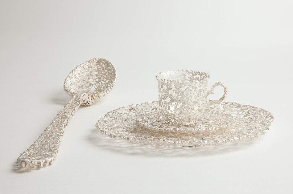 The Wiebke Meurer's Tableware Comes in Gold, Silver and Porcelain