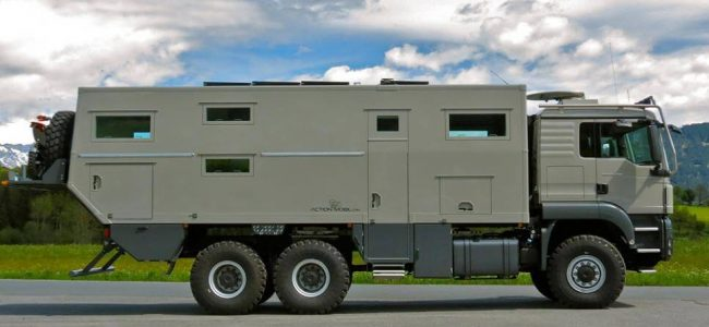 This Action Mobil Globecruiser Family 7500 Will Keep You Safe During the Zombie Apocalypse