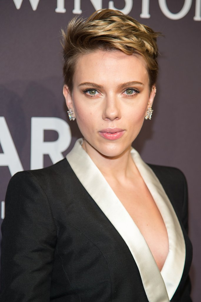 Scarlett Johansson Net Worth How Rich Is Scarlett Johansson Alux Com