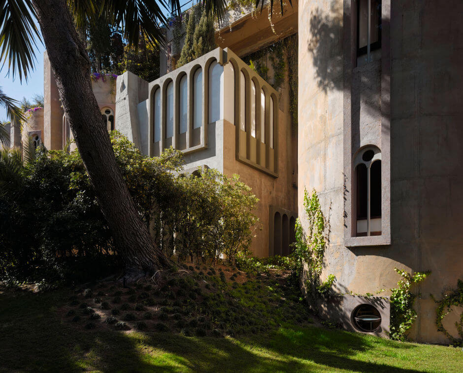 See how this architect turned an old cement factory into a luxury home - Old cement factory turned home ...