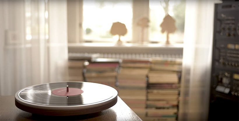 The Miniot's Wheel Minimalist Record Player is Going to Change the Way You Listen to Music
