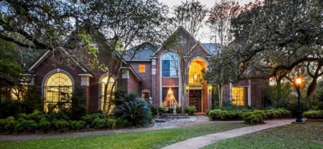 Want to Live like King Arthur or like Game of Thrones Characters? Then This Medieval-Styled Home in Austin is exactly Want You Need!