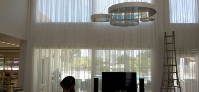 Designer curtains for living room – the curtain's giant