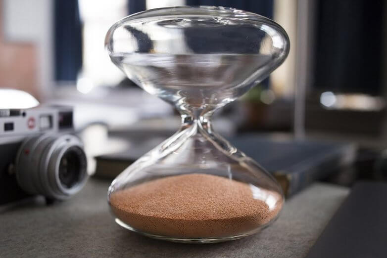 This $12,000 Hourglass Created by Marc Newson is the Best Thing You Can Buy Right Now