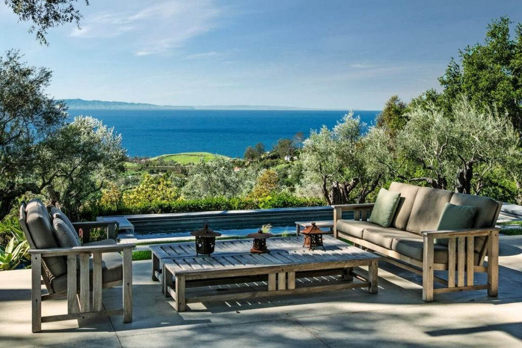 Look around inside Natalie Portman's New Home in Santa Barbara (14)