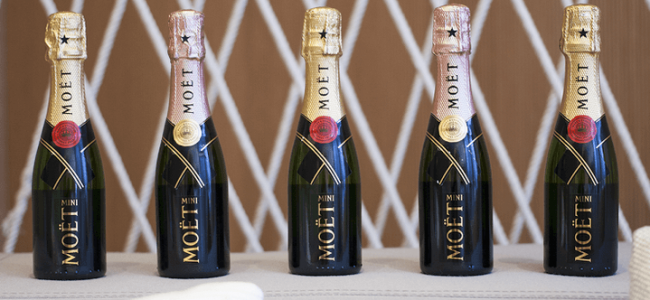 Moët Mini Share Six Pack Champagne Bottles Are Here and They Are so Cute
