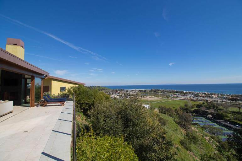 Robert Downey Jr.'s new $3.5M Malibu Home is Almost as Cool as Iron Man's (2)