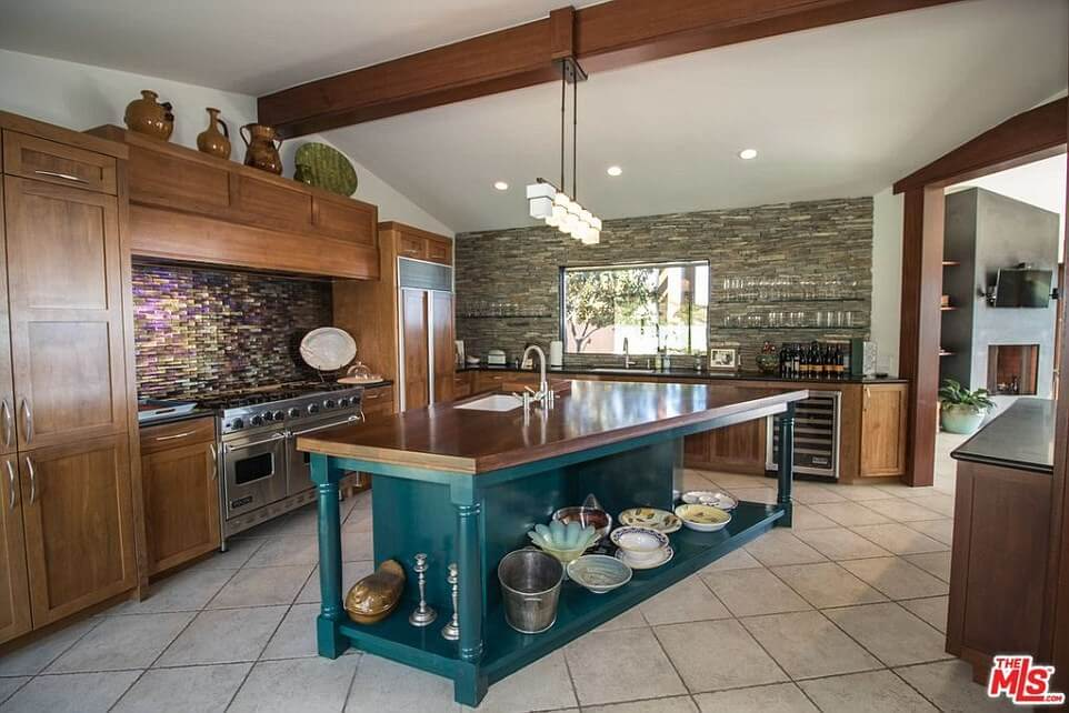 Robert Downey Jr.'s new $3.5M Malibu Home is Almost as Cool as Iron Man's (6)