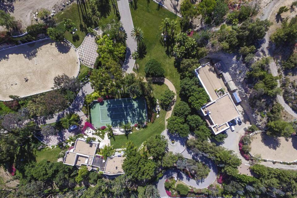 Can Somebody Please Buy Cher's Former Benedict Canyon Drive Mansion (1)