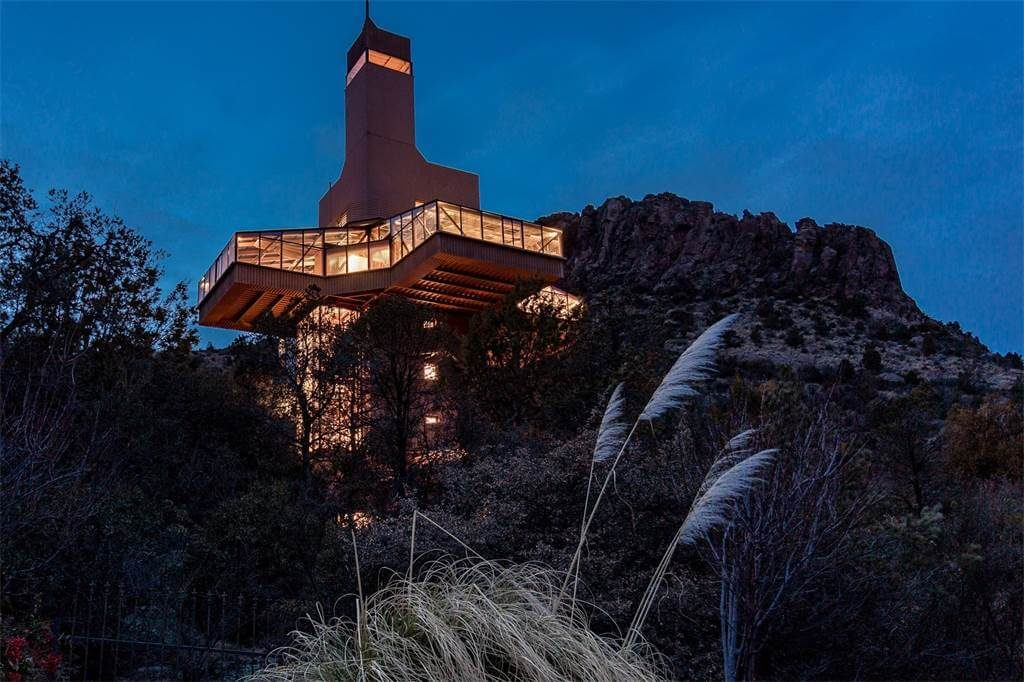 For $1.5M You Could Call Arizona's Falcon's Nest House Your Next Home (43)