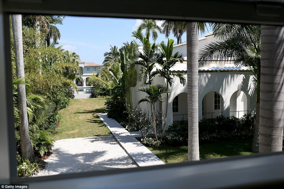Take a Look Around Al Capone's Historic Miami House Where he Lived and Died (19)
