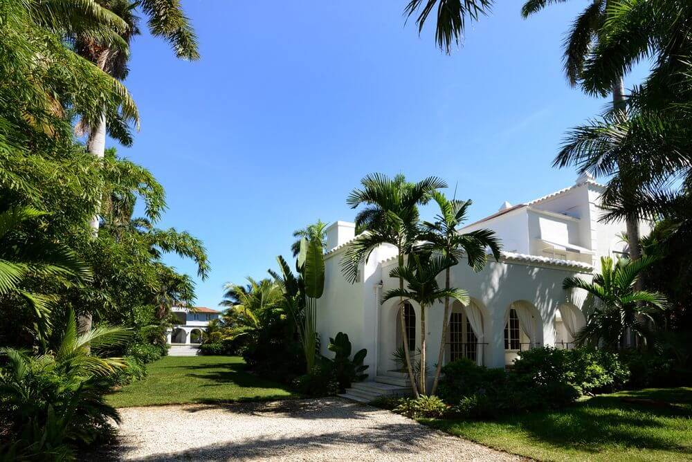 Take a Look Around Al Capone's Historic Miami House Where he Lived and Died (23)