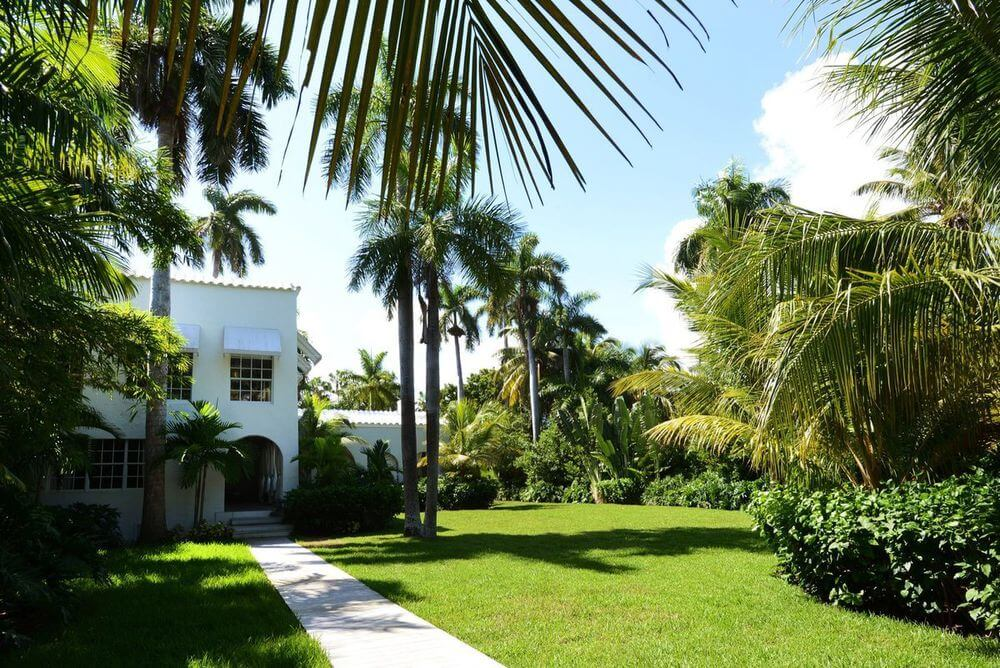 Take a Look Around Al Capone's Historic Miami House Where he Lived and Died (4)