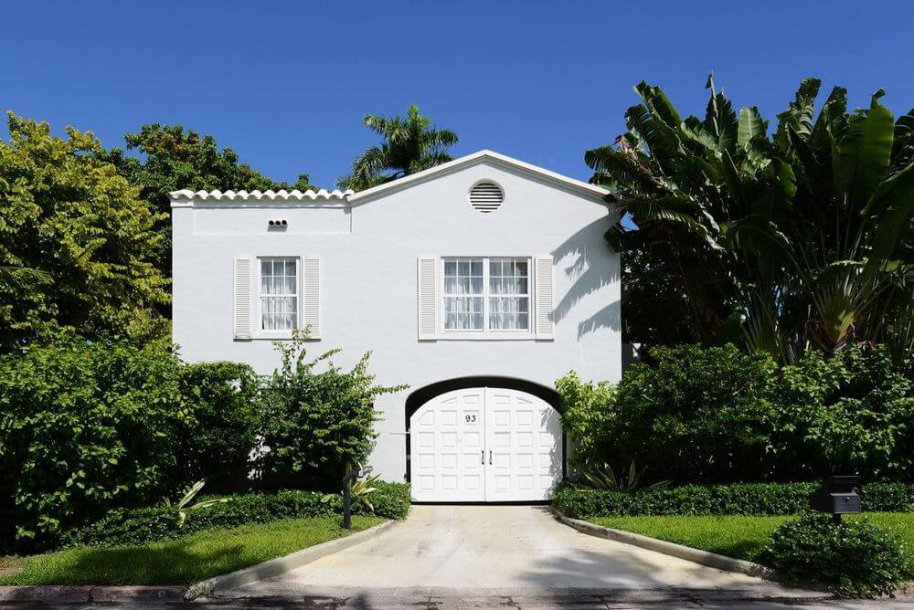 Take a Look Around Al Capone's Historic Miami House Where he Lived and Died (5)