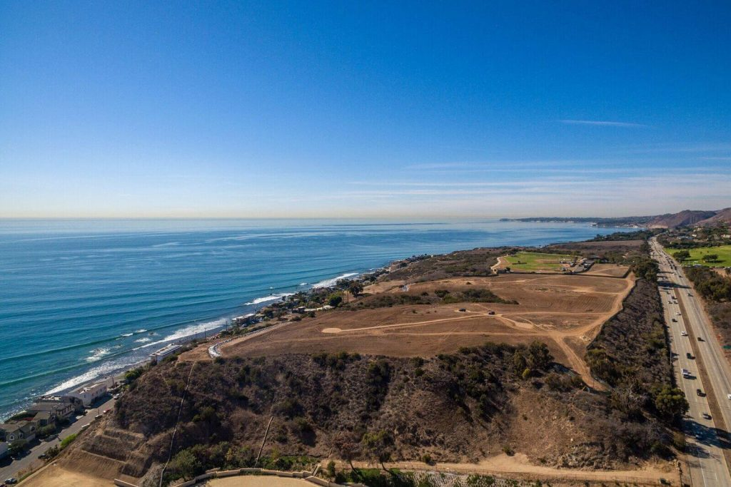 This is Malibu's Most Expensive Listing Ever at $80 Million! Check it Out! (7)