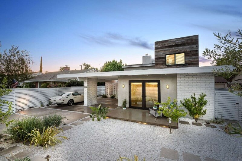 You Can Own Lena Headey's Sherman Oaks Home for $1.9 Million (5)