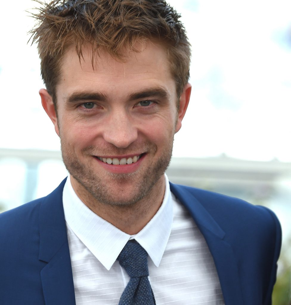 pattinson robert worth piano actor thomas alux pattison 2020 twilight edward networth musician rich